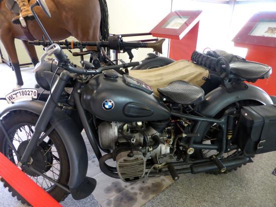 Regional Military Museum : BMW con Sidecar y Ametralladora