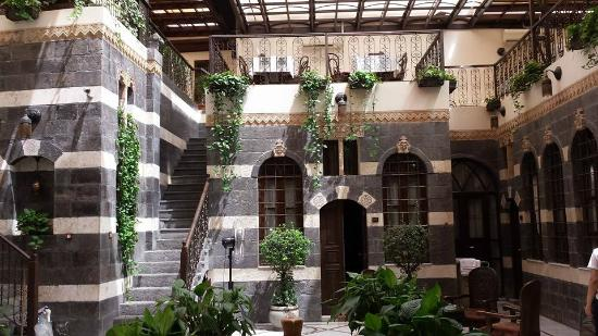 Beit Al Wali Hotel : One of 3 courtyards