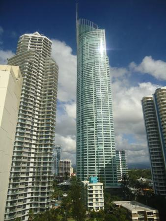 Aloha Apartments: q1