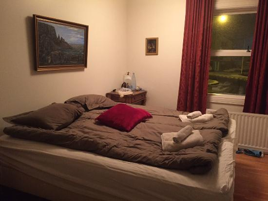 Guesthouse Dyngja: room