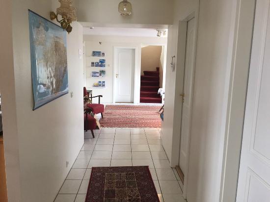 Guesthouse Dyngja: hall