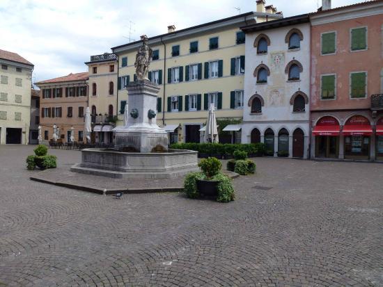 Cividale del Friuli - UNESCO World Heritage Centre: The charming center: Piazza Diacono