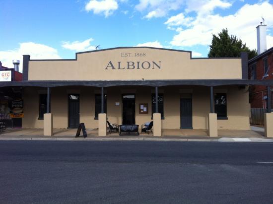Albion Wine & Tapas Bar - Avoca, Victoria