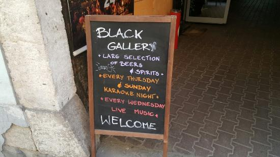 Black Gallery Pub and Food: Black Gallery Pub