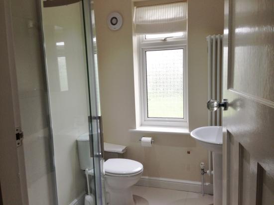 Whitstable Bay Bed and Breakfast : En Suite Shower Room