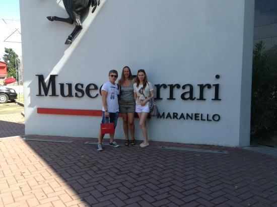 музей феррари, ламборджини, мазератти в италии