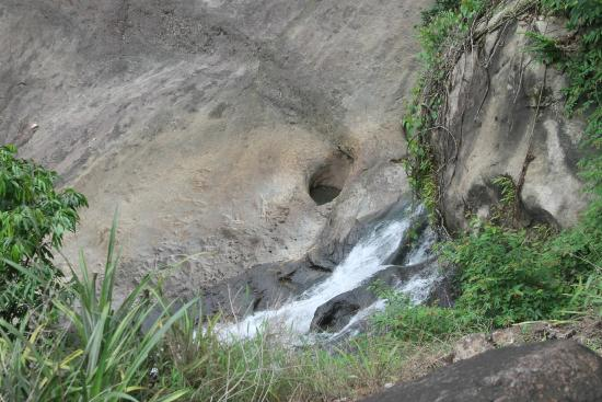Thommankuthu Falls : Wild Water Falls
