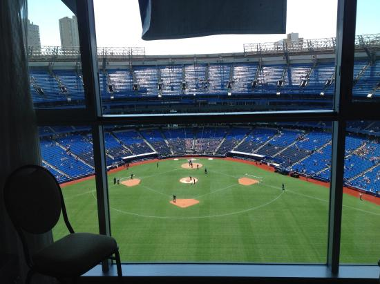 Toronto Marriott City Centre Hotel Great Way To See A Baseball Game