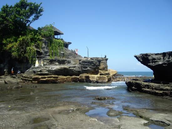 how to go to tanah lot from ubud