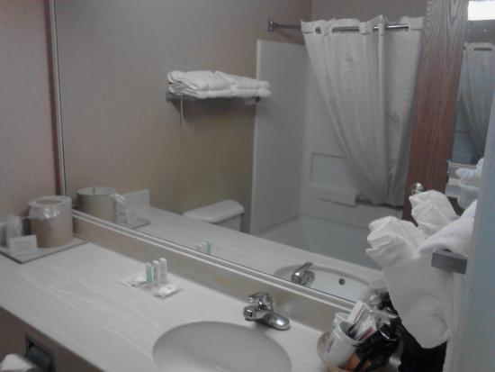 Comfort Inn: Room 111