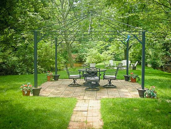 Mitchell Creek Inn : We offer a gazebo, grills, a firepit, and guest-only kayaks.