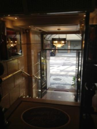 Hotel Cristal Palace: Hotel entrance