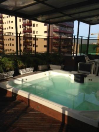 Hotel Cristal Palace: 7th Fl hot tub