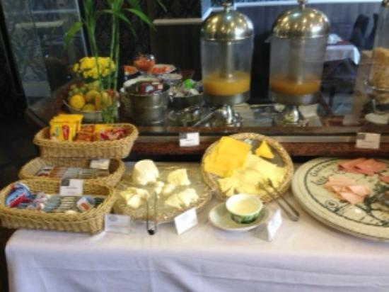 Hotel Cristal Palace: Breakfast buffet hot & cold