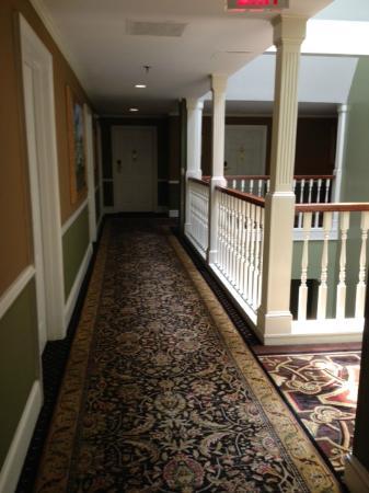 Church Street Inn: Snapshot of the hallway, very charming