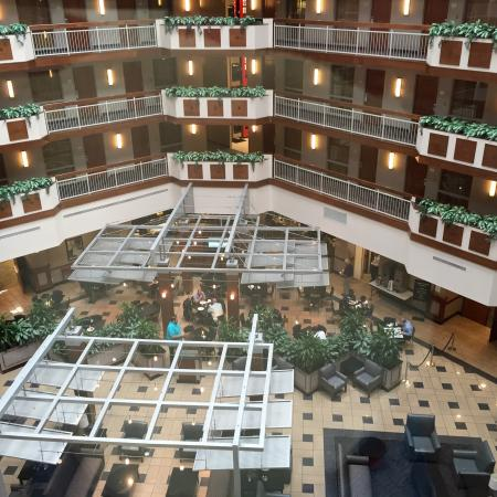 Embassy Suites by Hilton Dulles - North/Loudoun: New and clean