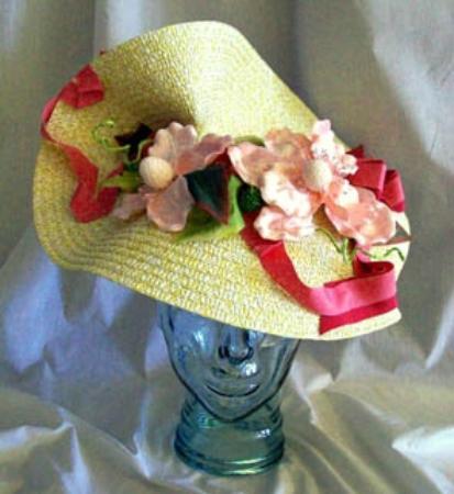 Barrie, Canadá: Ascot Derby Race Hat
