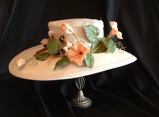 Barrie, Canada: 1930's Reproduction Hat