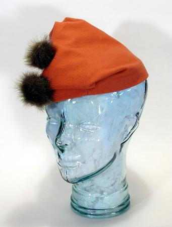 Barrie, Canada: 1939 Reproduction Hat in wool and faux fur