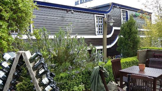 De Barge Hotel: jardin