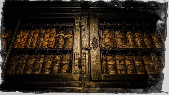 Chetham's Library: Book case.