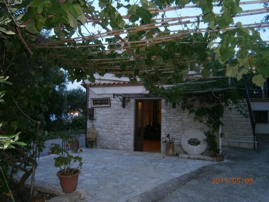 tastings rafina greek taverna
