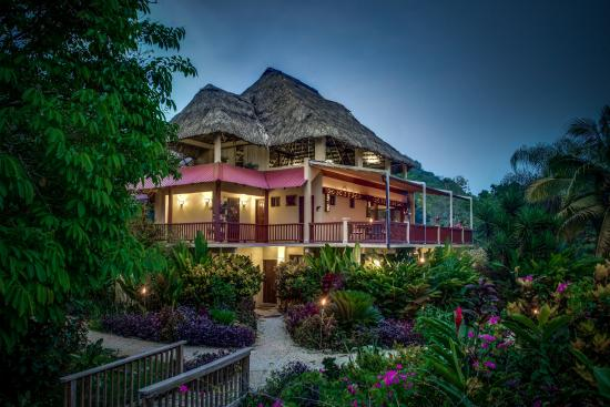 Sleeping Giant Rainforest Lodge Restaurant