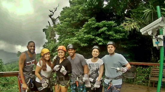 Walter's Taxi and Day Tours : Ziplining by Volcano Arenal
