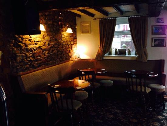 Frizington, UK: A cosy country pub with a light and spacious dining room