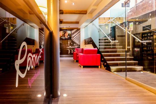 Roomzzz Manchester City: Lobby
