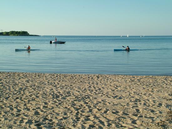 Evanston, IL: Kayakers on Lake Michigan