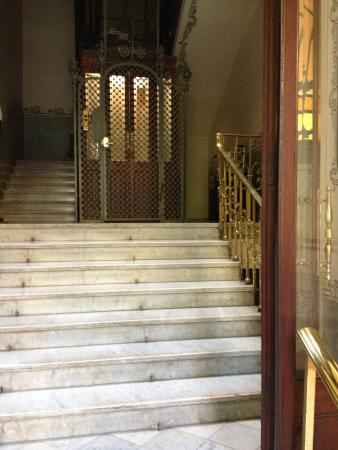 BarcelonaBB: The charming lift
