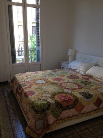 BarcelonaBB: The White Room's bedroom