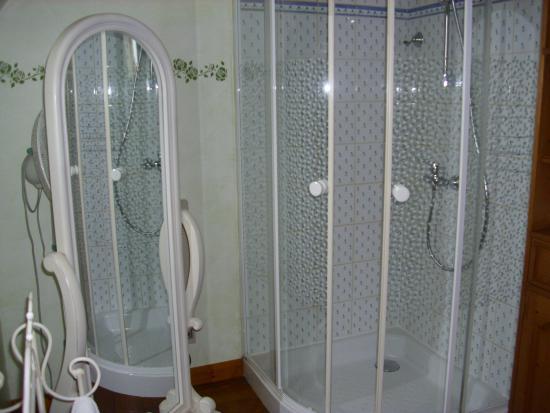 La Guérinière : salle de bain chambre Hortensia