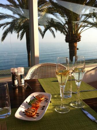Hapimag Resort Marbella: Complimentary cava and delicious tapas at La Terrazza restaurant