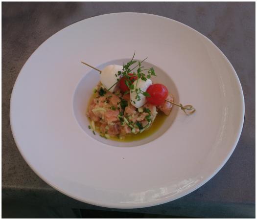 L'Emile Brochettes : restaurant chalon Tartare de saumon, mozzarella tomate cerise