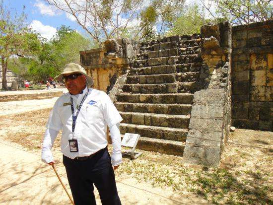 Gray Line Tours Riviera Maya: Mauricio