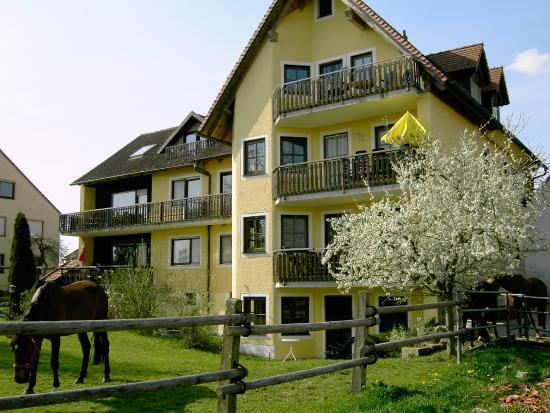 Ferienwohnungen haus 2 picture of reiterhof altmuehlsee for Hotel krone gunzenhausen