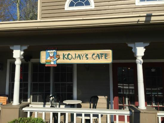 Kojay's Eatery & Coffeehouse: beautiful porch seating