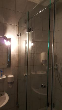 Hotel Grasbrunner Hof : Lighting in Bathroom