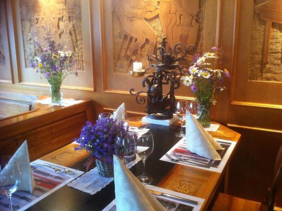 Restaurant Marktplatz: Ausstellung Ueli Hofer