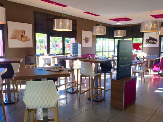 Hotel Eco Sweet : La salle du restaurant interne