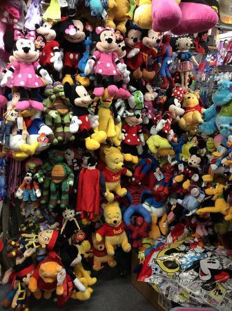 Maingate Flea Market: Lembrancinhas muito baratas