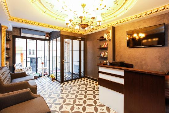 Taksim Doorway Suites