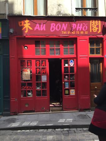 The front of Au Bon Pho.