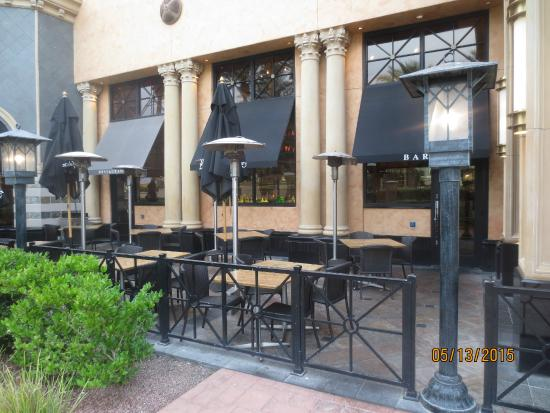 patio picture of the cheesecake factory las vegas