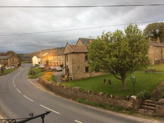 Yoredale House Guesthouse and Hamilton's Tea Room: View from the window