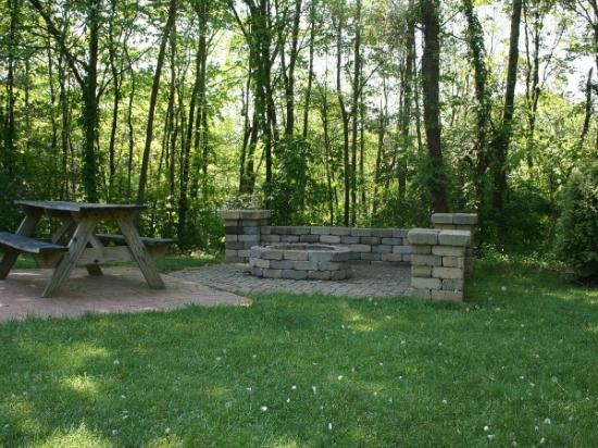 Valley View Cabins: PA Barn Cabin Outdoor Fire Pit / Sitting Area