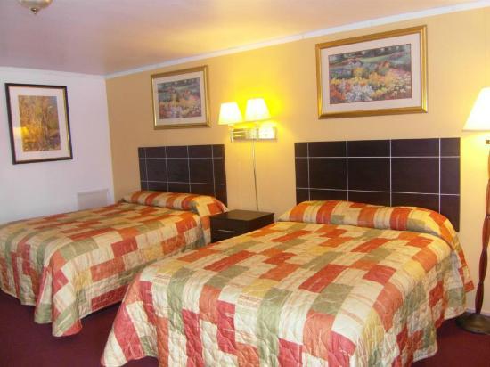 Flamingo Inn: 2 bed room