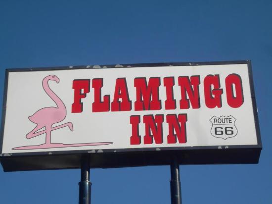 Flamingo Inn: sign